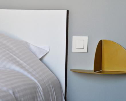 Large: detail bedroom 1 guest